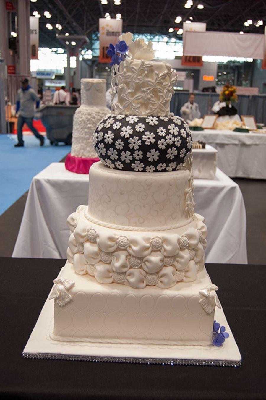 2012 societe culinaire philanthropique cake competition for Culinaire