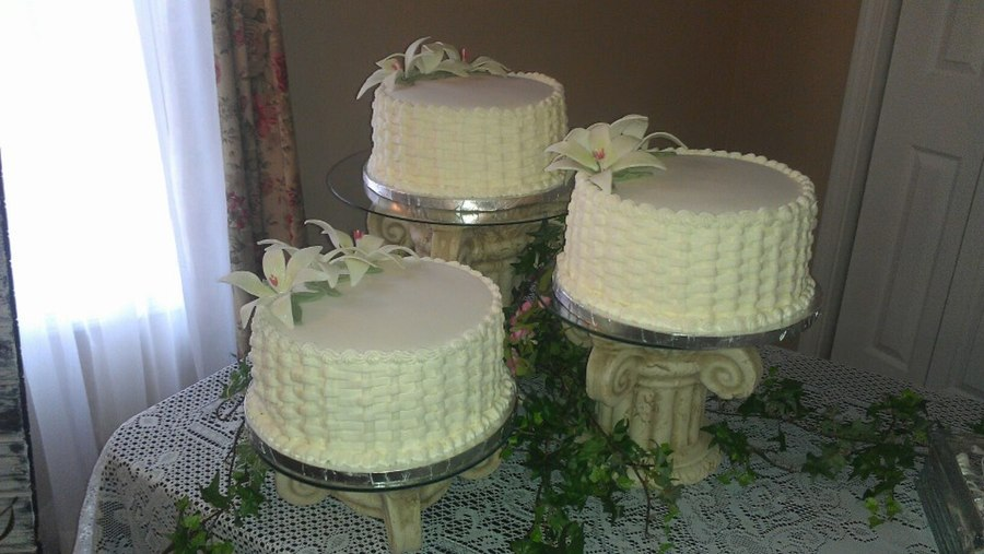 Basket Weave And Easter Lillies on Cake Central