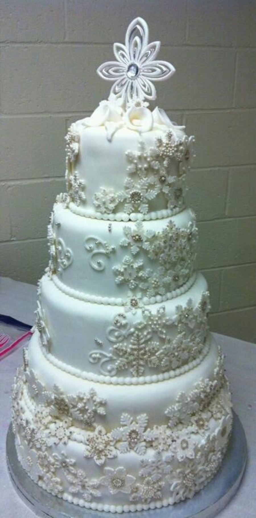 wedding cake snowflakes snowflake wedding cake cakecentral 25151