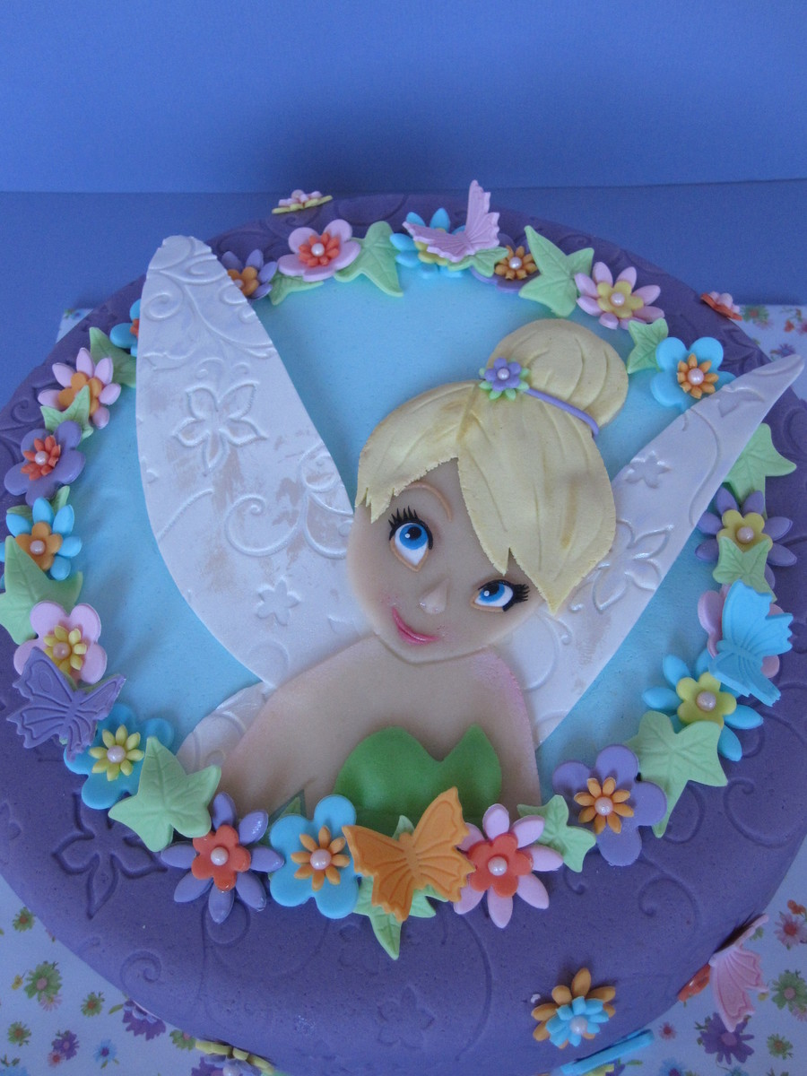 Tinkerbell With Her Beautiful Twinkle Eyes Cakecentral Com
