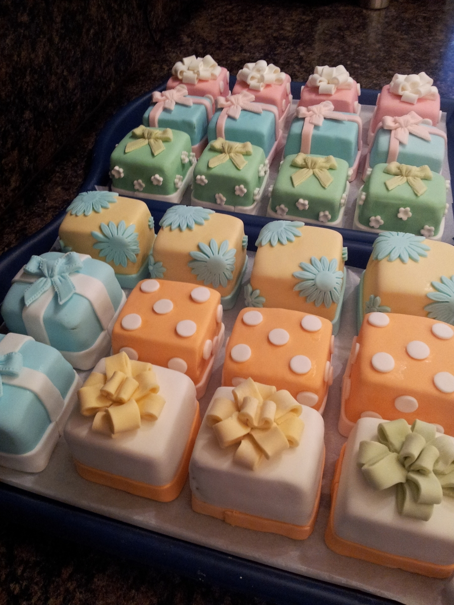 Mini gift box cakes cakecentral mini gift box cakes on cake central negle Choice Image