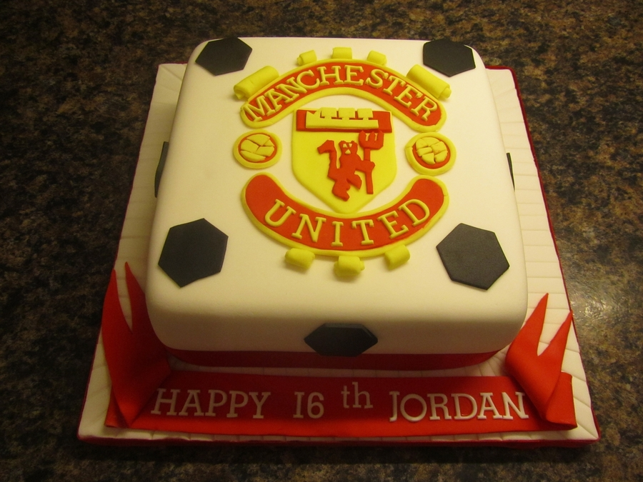 Man.utd Birthday Cake on Cake Central