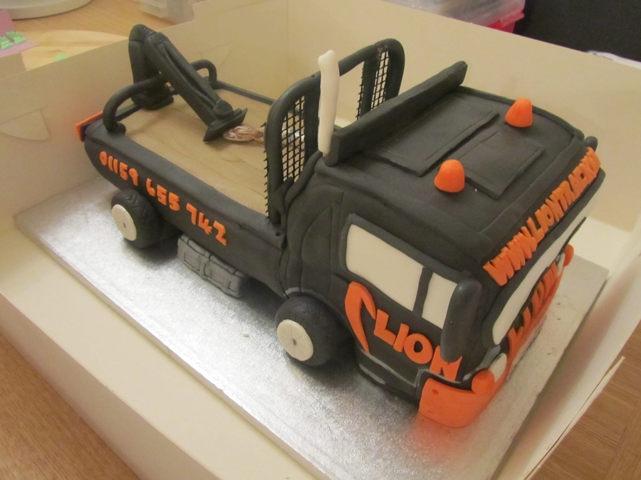 Lorry / Truck  on Cake Central