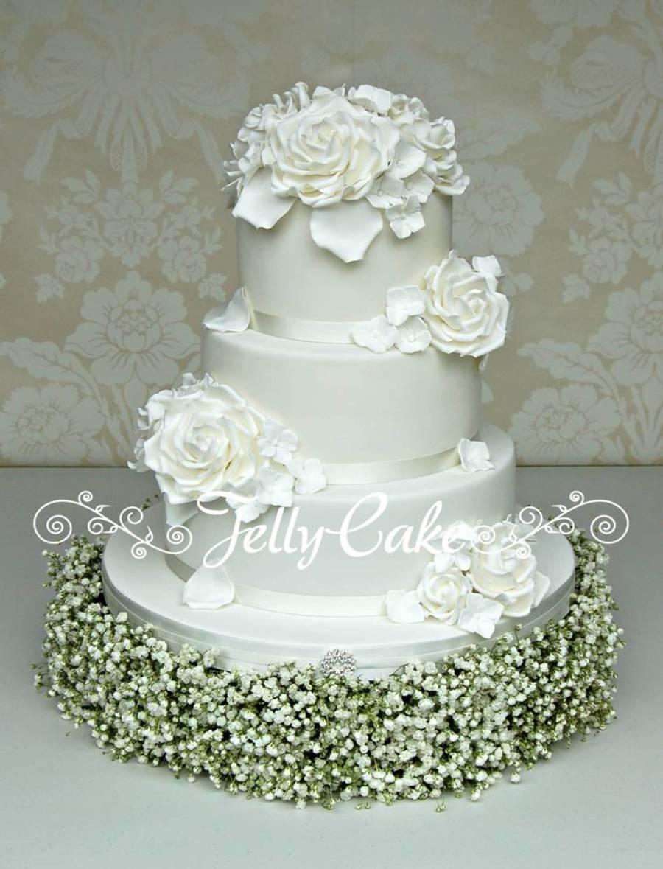 White Roses Wedding Cake On Central