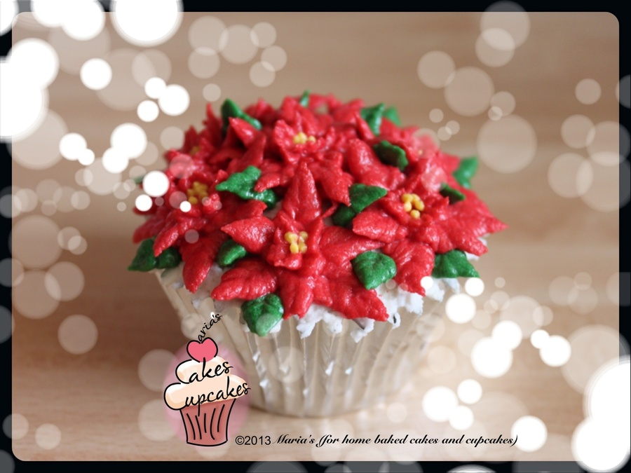 Mini Buttercream Poinsettias on Cake Central