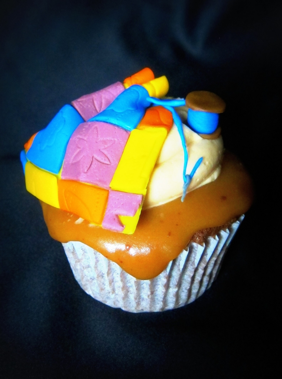 Jumbo Cupcake For A Quilter on Cake Central