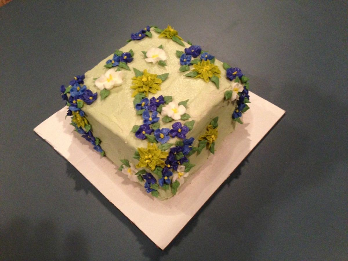 First Time At A Decorated Buttercream Cake For Mil 75Th Birthday She Loves Blue Delft And Lemon ...