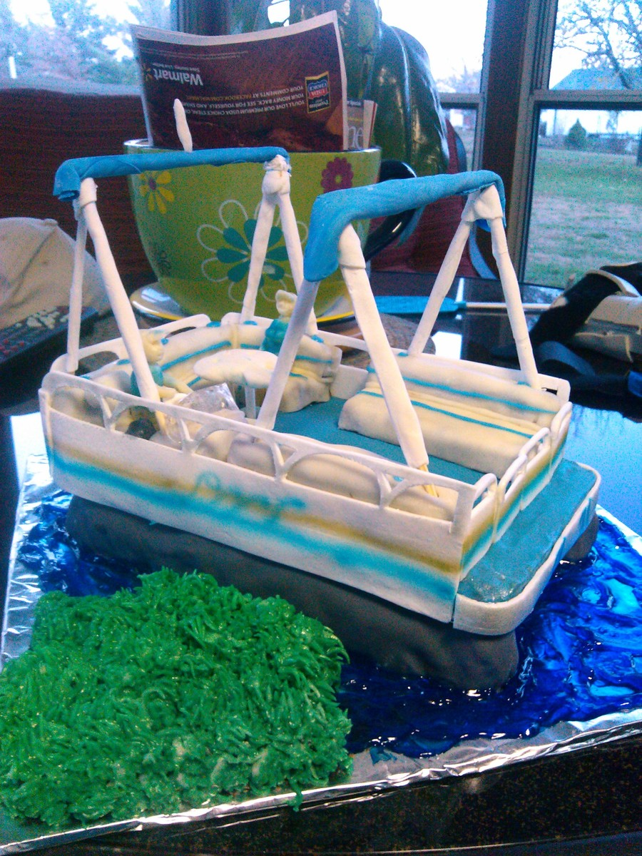 Pontoon Boat on Cake Central