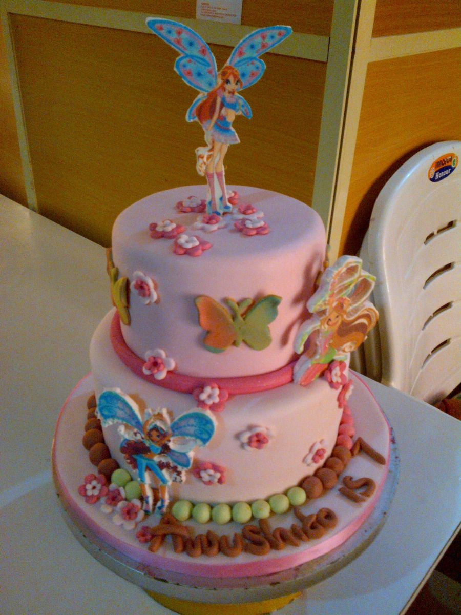 Birthday Cakes Showing Edible Pictures Of Winx Club Characters on Cake ...