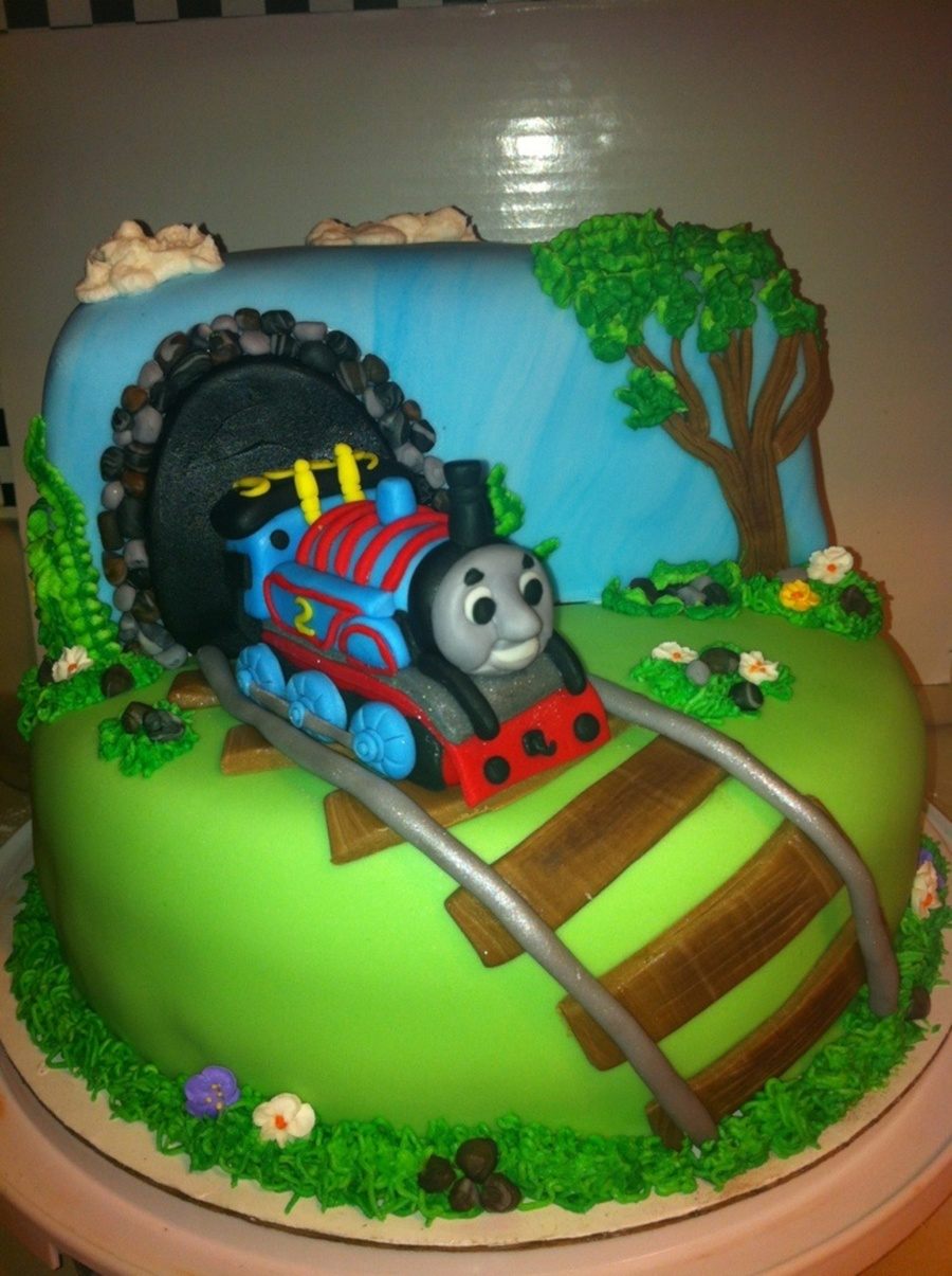 Easy Thomas Birthday Cake