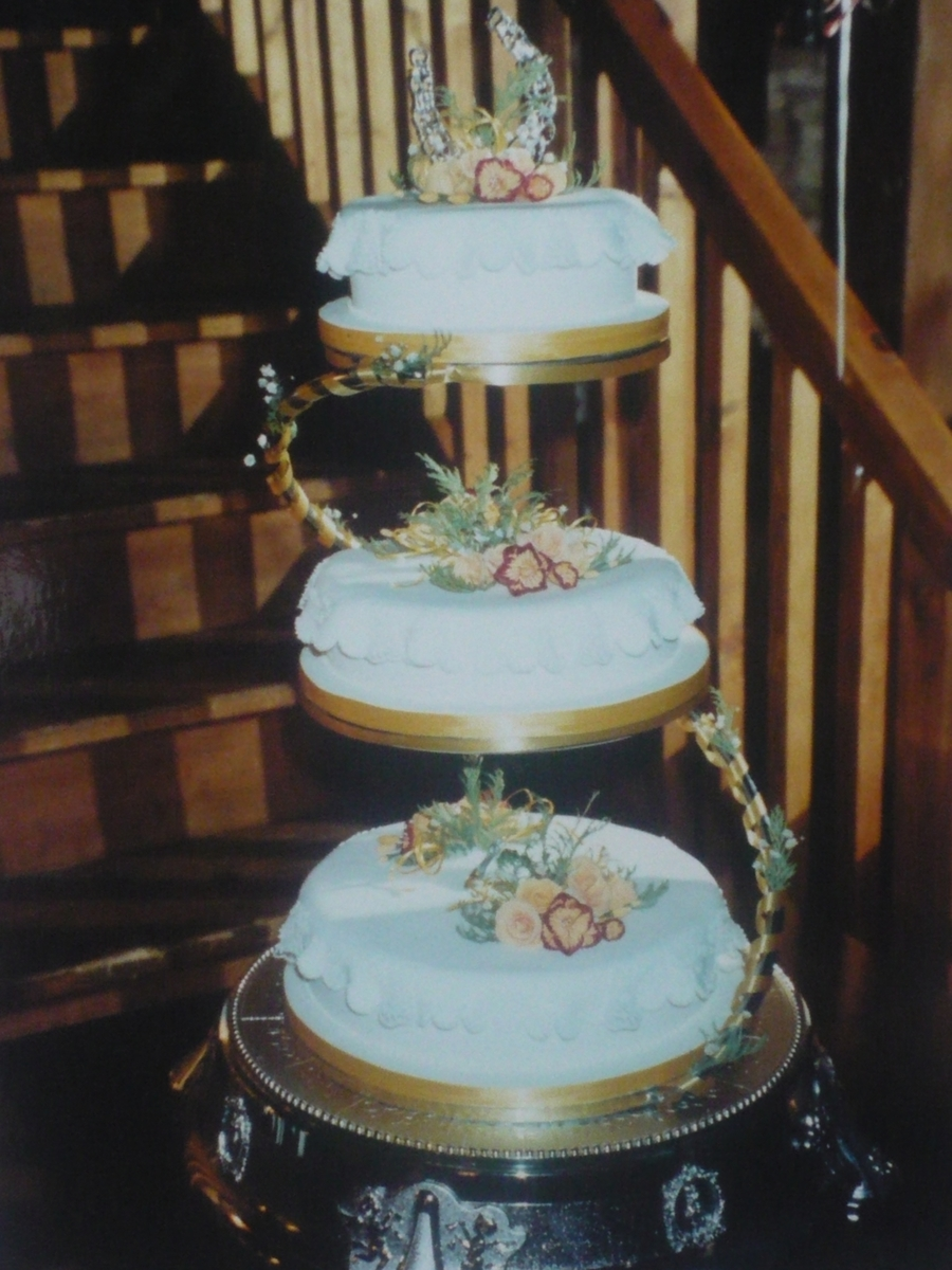 3 Tiered Wedding Cake  on Cake Central