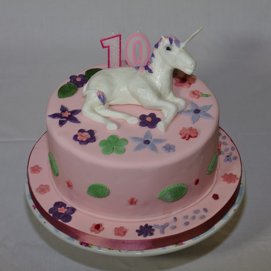 Unicorn And Flowers on Cake Central