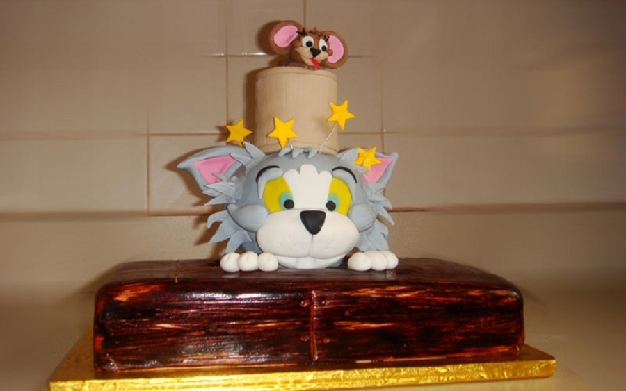 Tom And Jerry Custom Cake on Cake Central