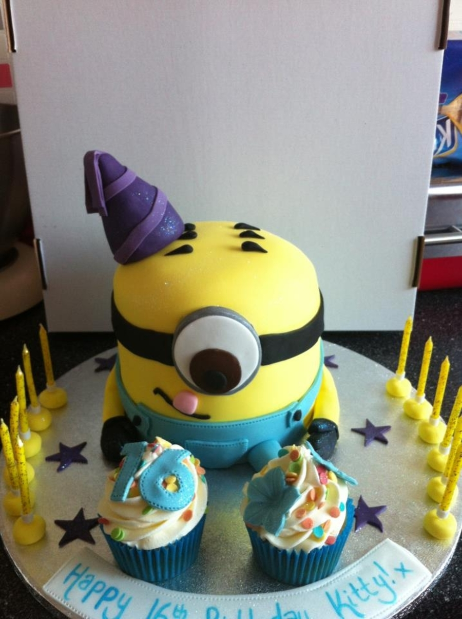 Stuart The Minion on Cake Central