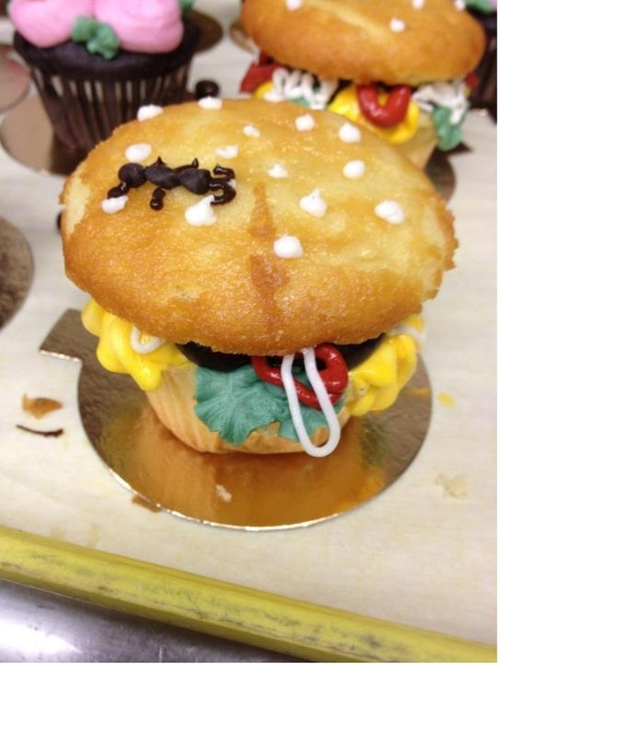 Cheeseburger Cucake! on Cake Central