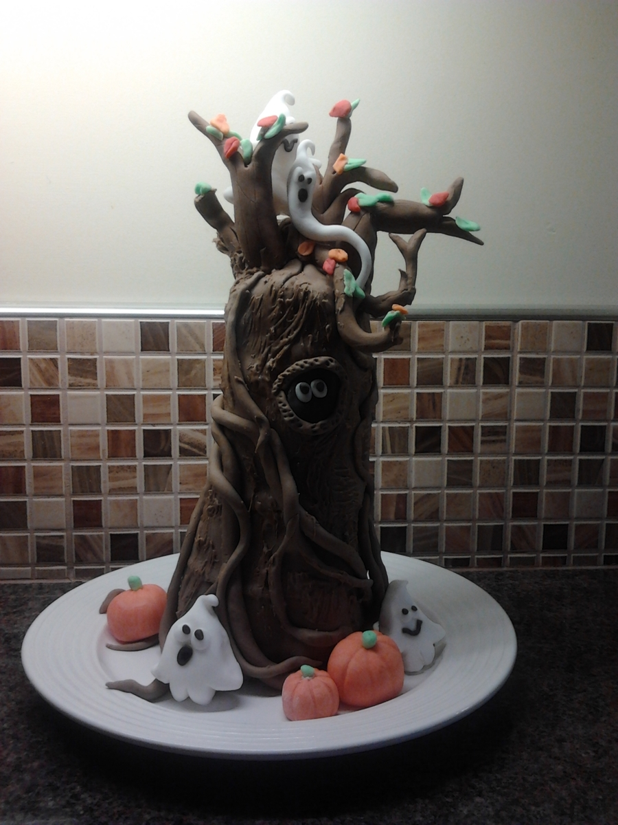 Spooky Tree on Cake Central