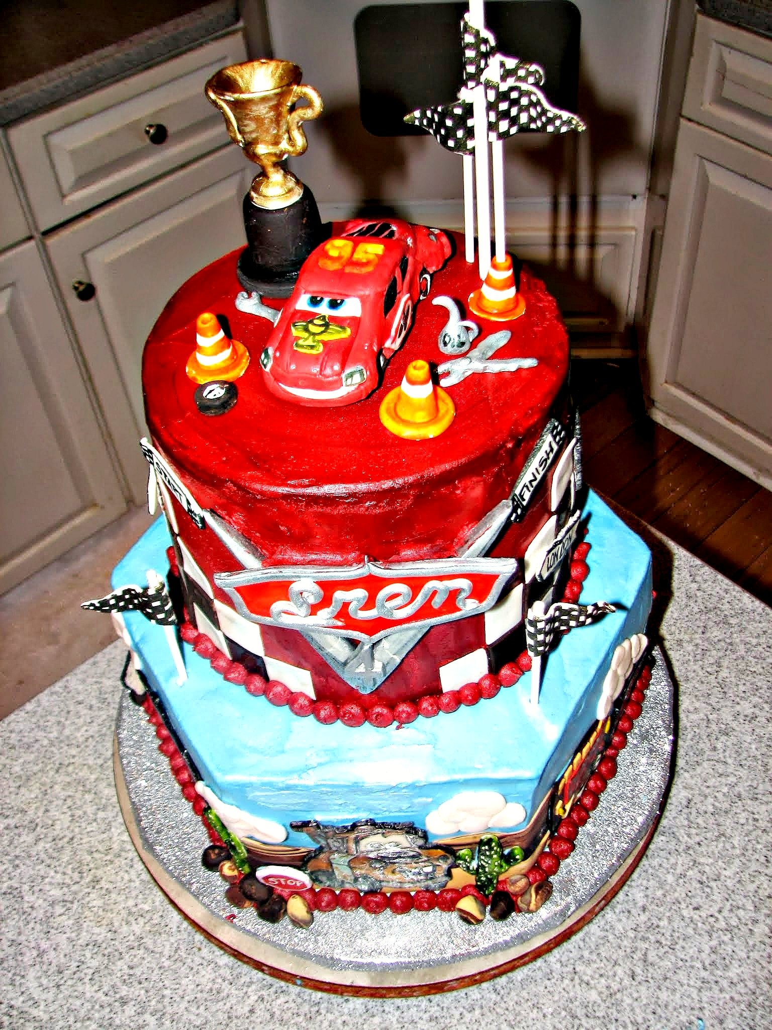 Disney Cars  Th Birthday Cake The Top Tier Was Checkerboard - Birthday cake cars 2
