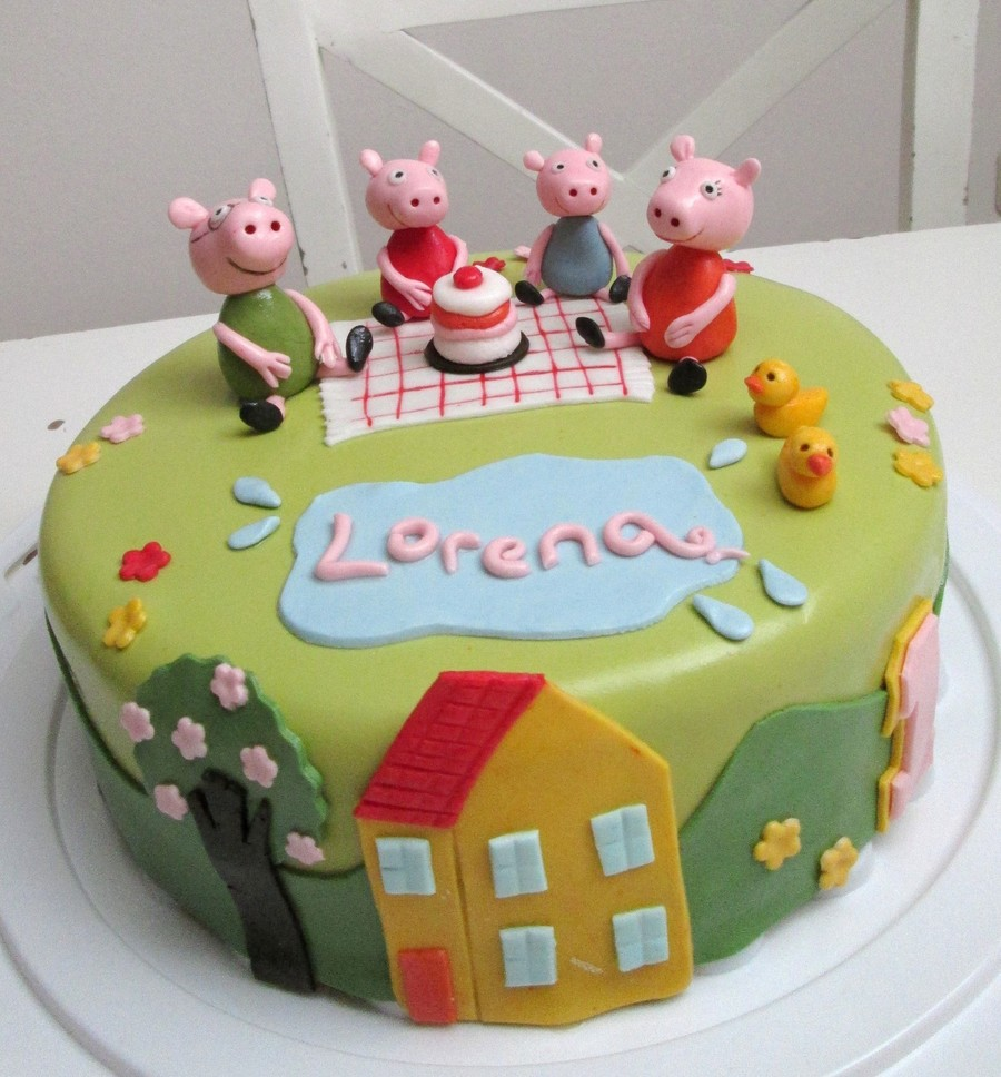 Peppa Pig And Her Family Celebrating Lorena's Birthday  on Cake Central