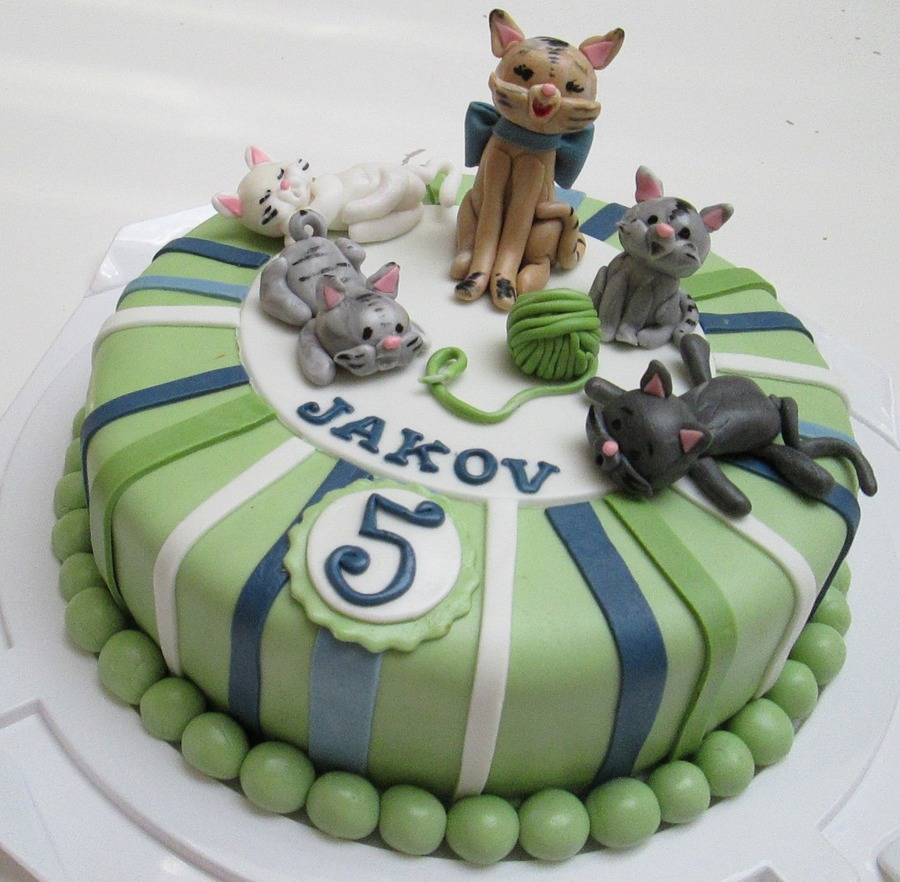 For A Little Cat Lover  on Cake Central