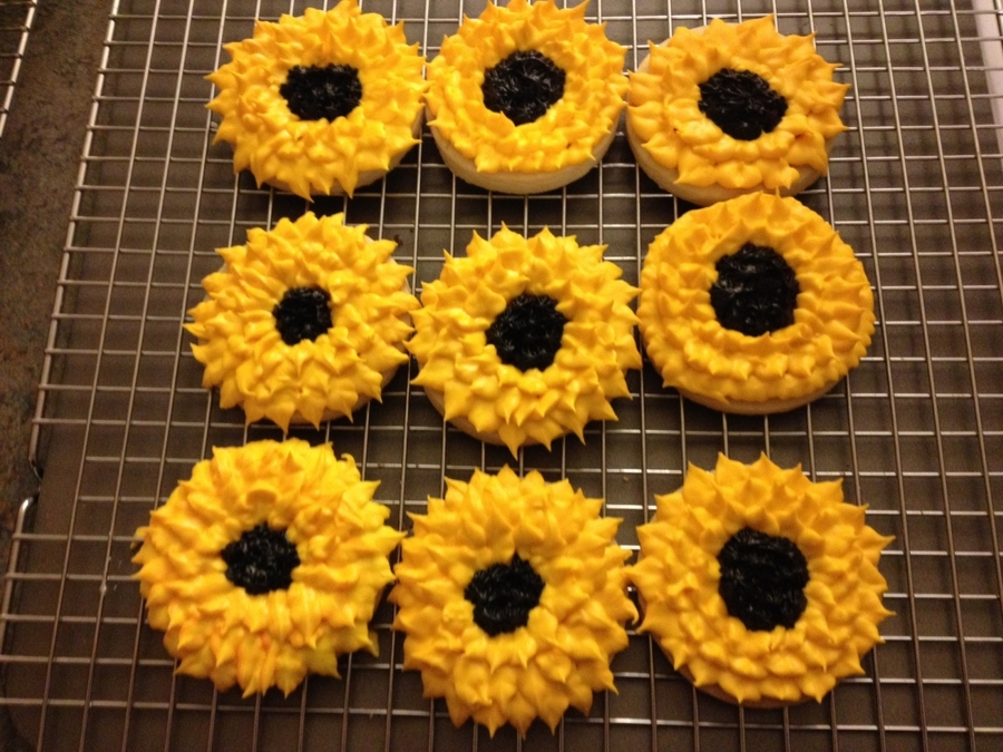 Sunflowers on Cake Central