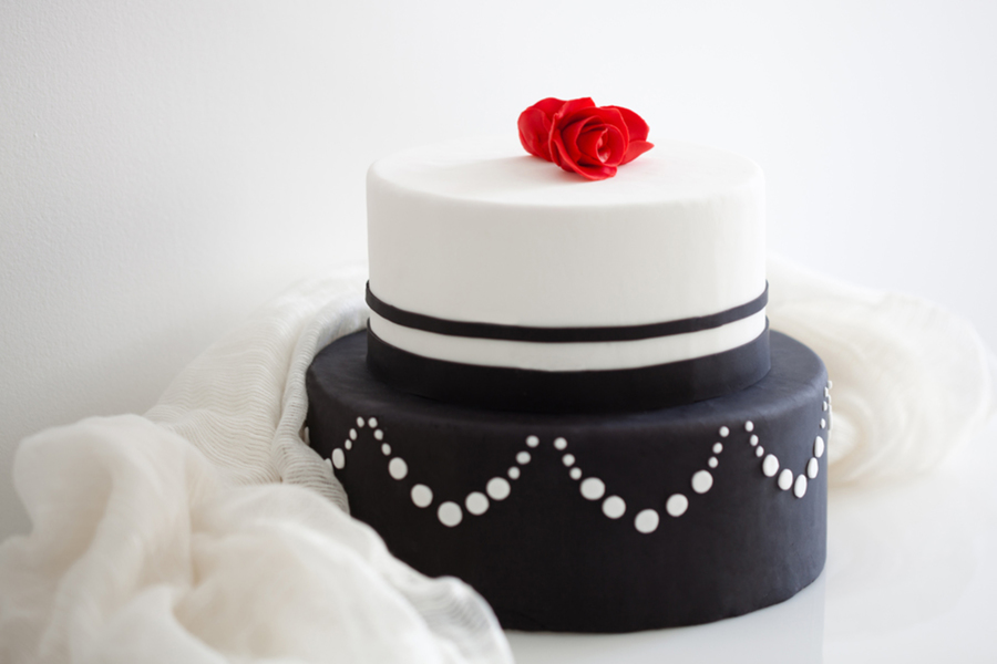 Such A Classic Black And White Never Goes Out Of Style on Cake Central