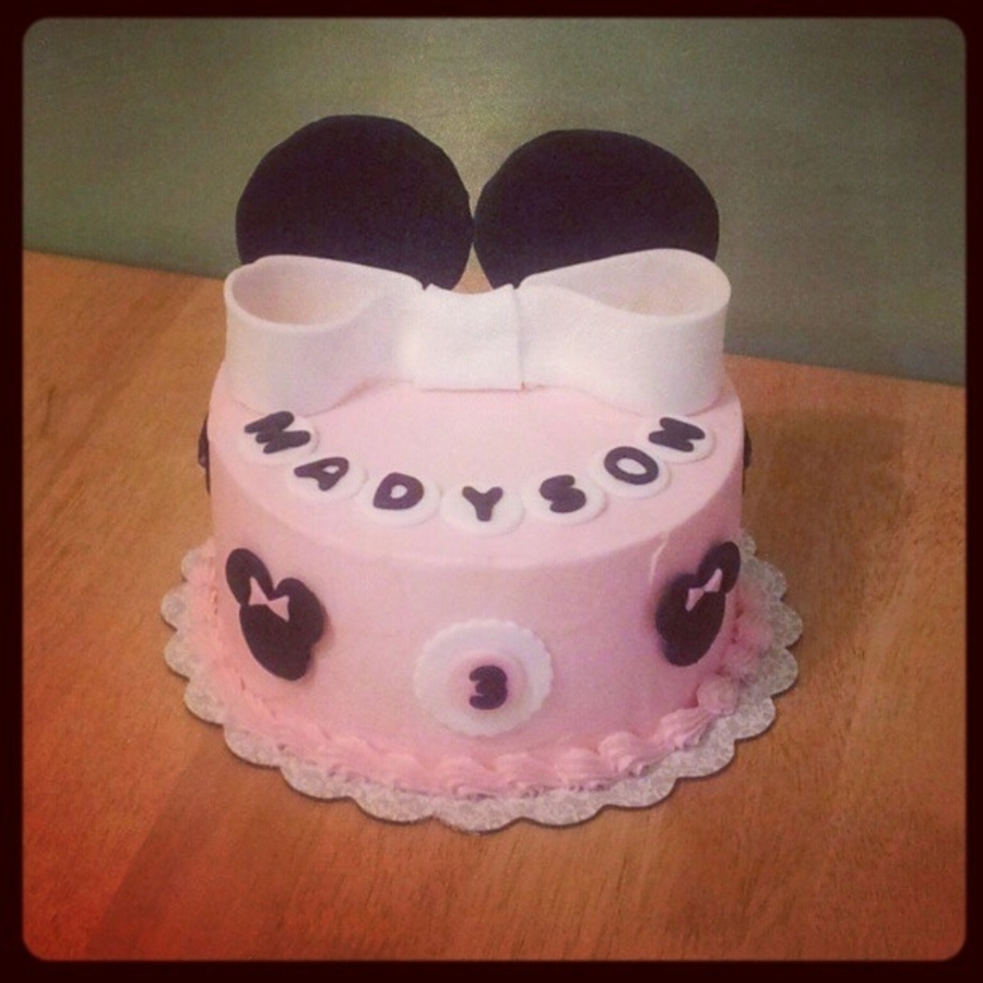 1 Tier Minnie Cake on Cake Central