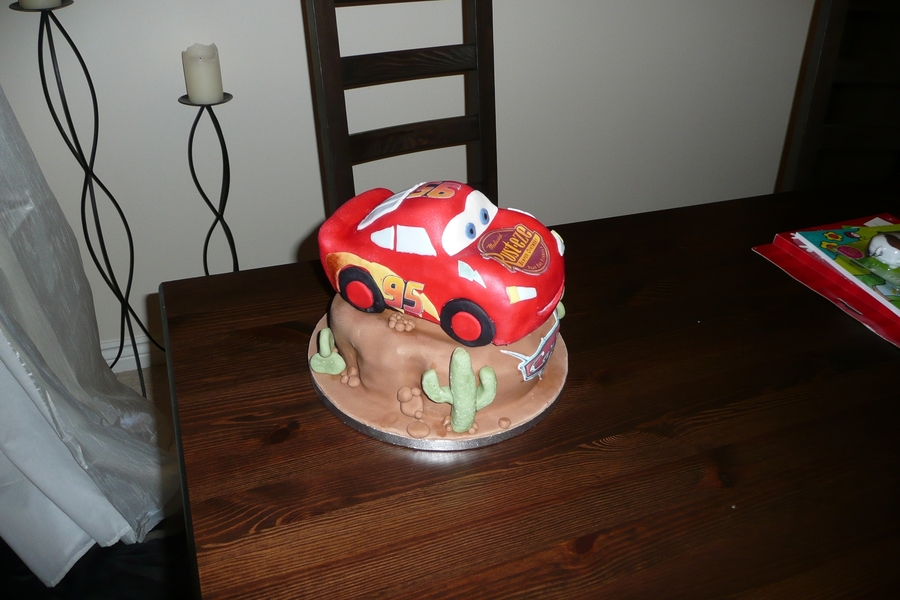 Disney Car's Lightning Mcqueen on Cake Central