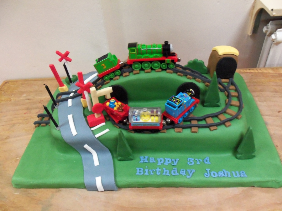 Thomas The Tank Engine Henry Cake  on Cake Central