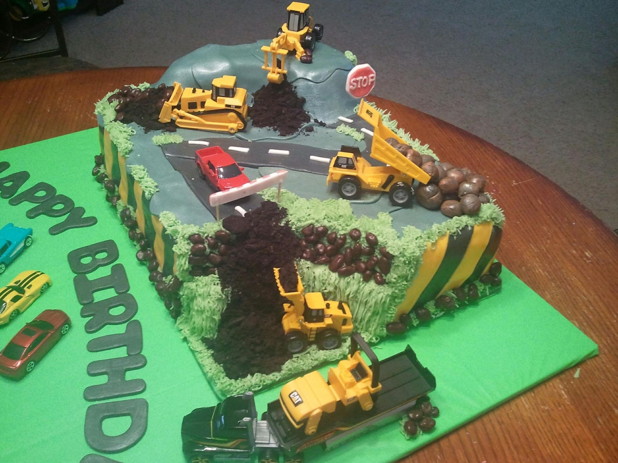 Road Construction Cake Made For My Grandsons 2nd Birthday The