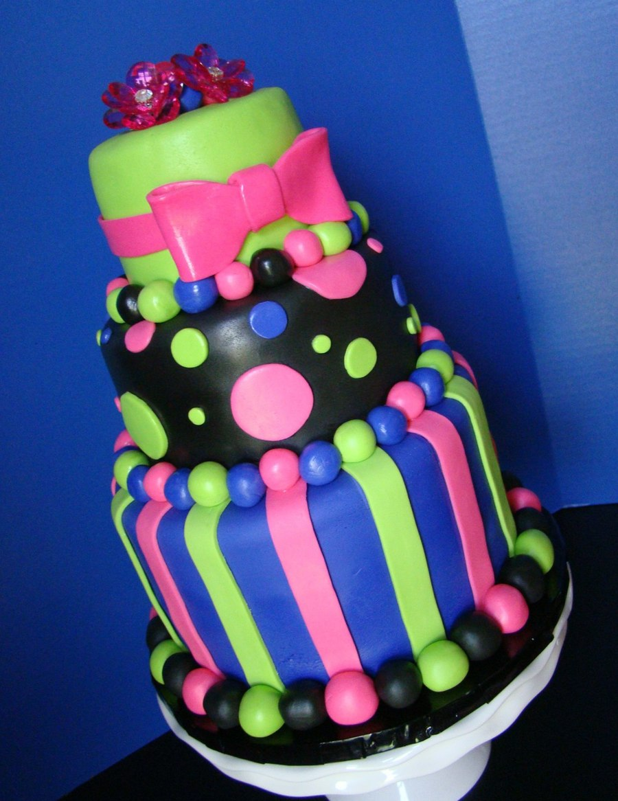 Fantastic Glow Party Birthday Cake Cakecentral Com Personalised Birthday Cards Petedlily Jamesorg