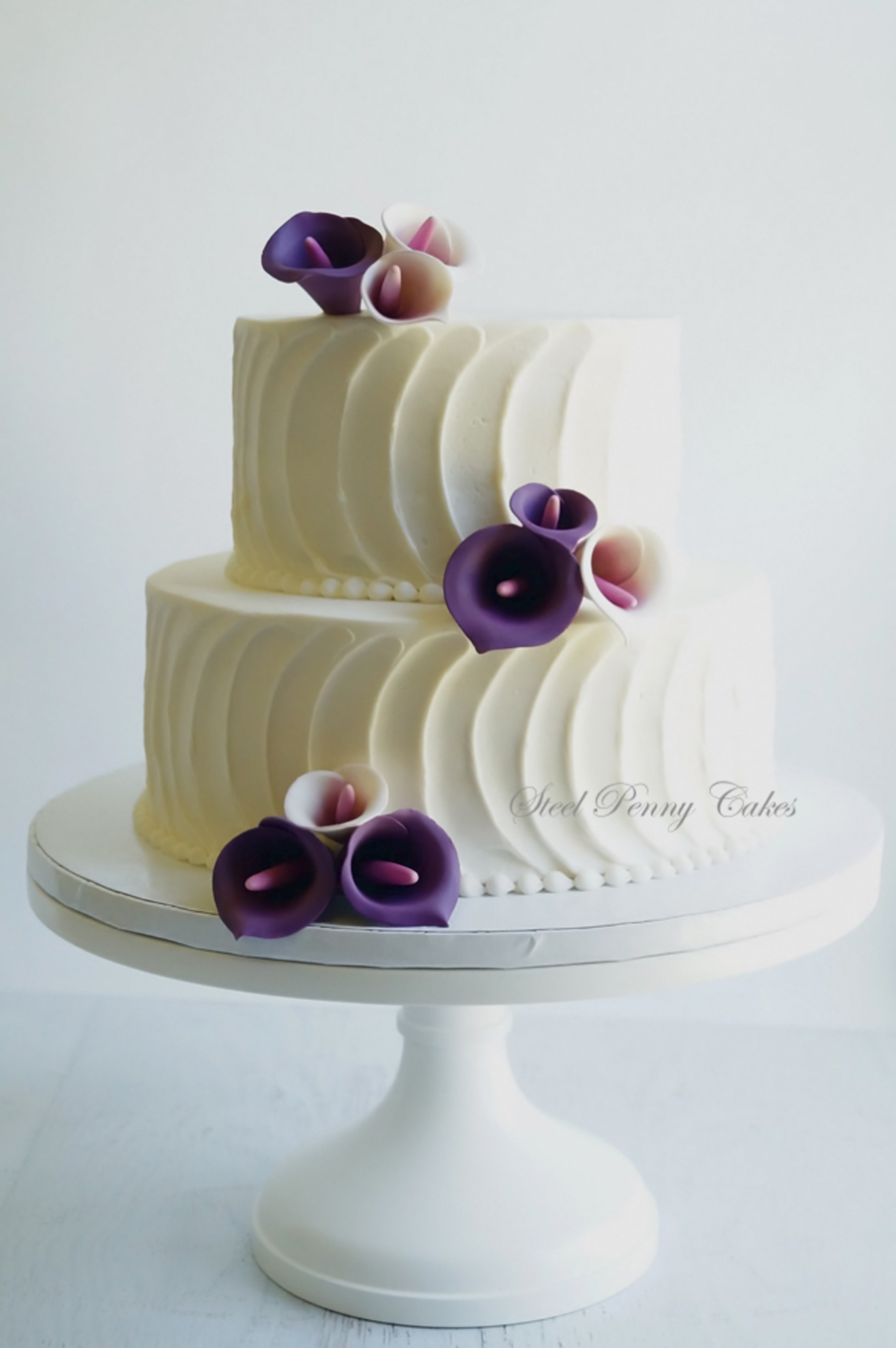 Textured Buttercream With Plum Calla Lilies Cakecentral Com