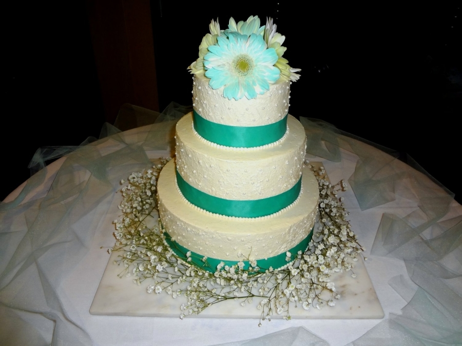 Gerber Daisy Wedding Cake on Cake Central
