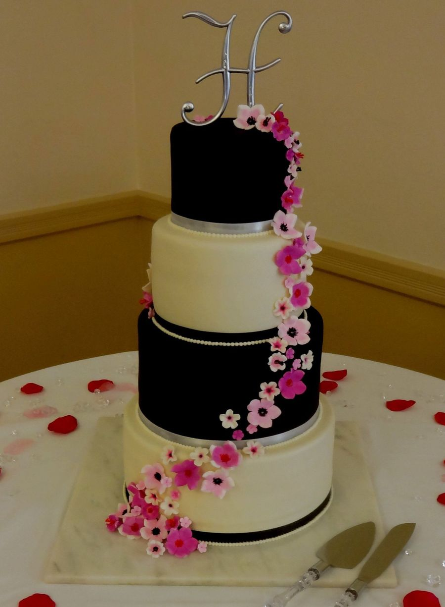 black wedding cakes with flowers black and white wedding cake with gumpaste sugar flowers 11887