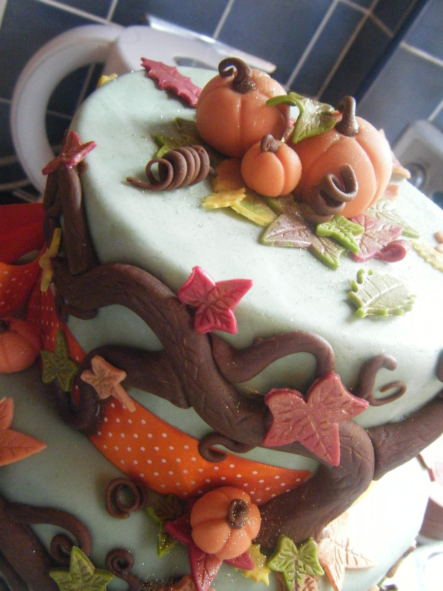 Autumnalfall Themed Birthday Cake CakeCentralcom