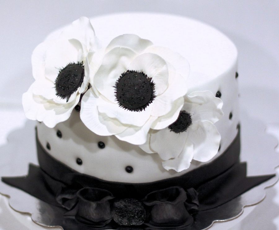 Black and white flower cake cakecentral mightylinksfo