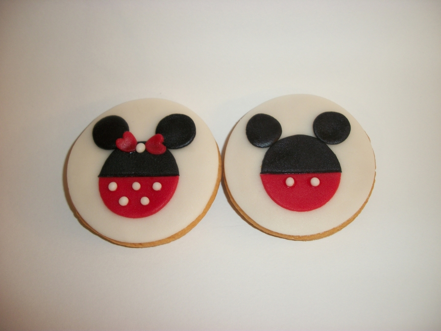 Mickey And Minnie Cookies on Cake Central