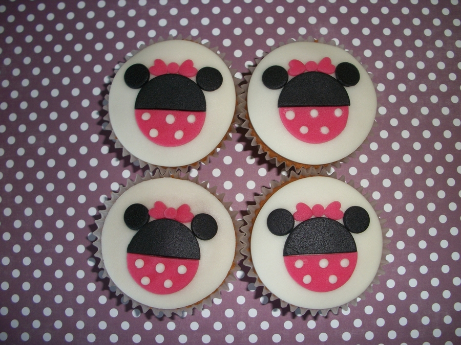 Minnie Cupcakes  on Cake Central