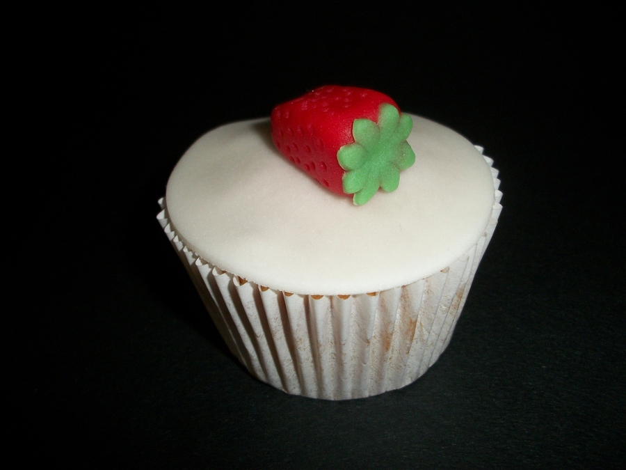 Strawberry Cupcake! on Cake Central