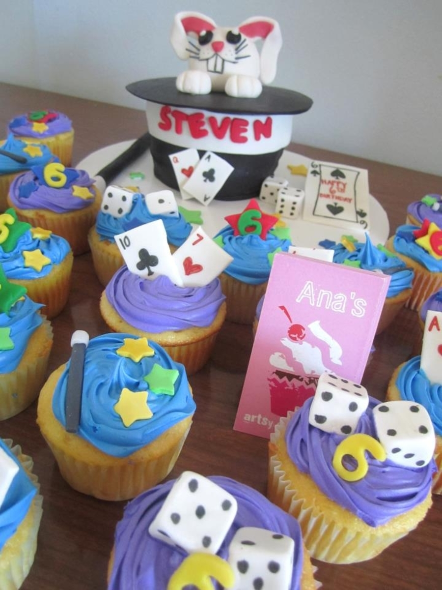 Magic Theme Cake And Cupcakes - CakeCentral.com