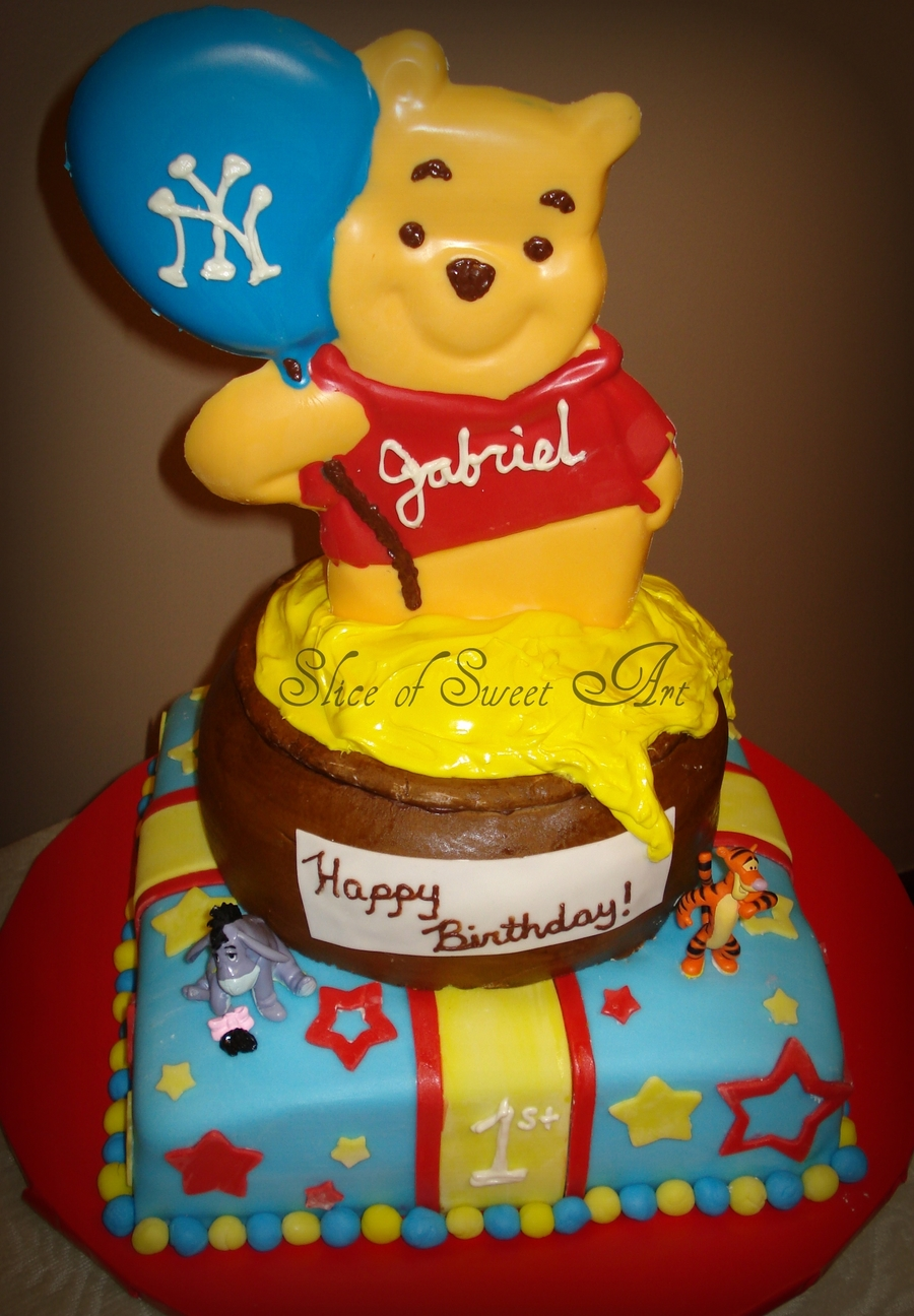 Winnie The Pooh 1St Birthday On Cake Central