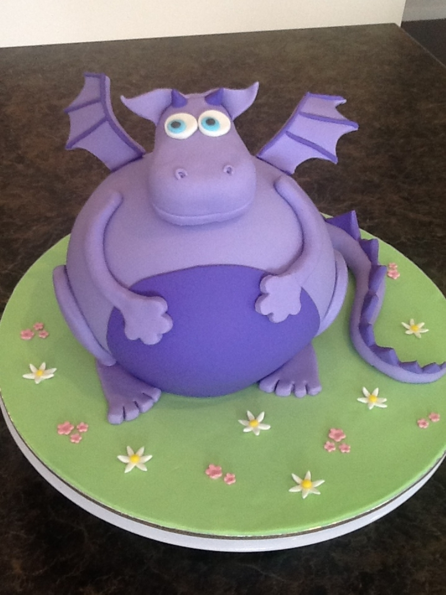 Friendly Purple Dragon on Cake Central