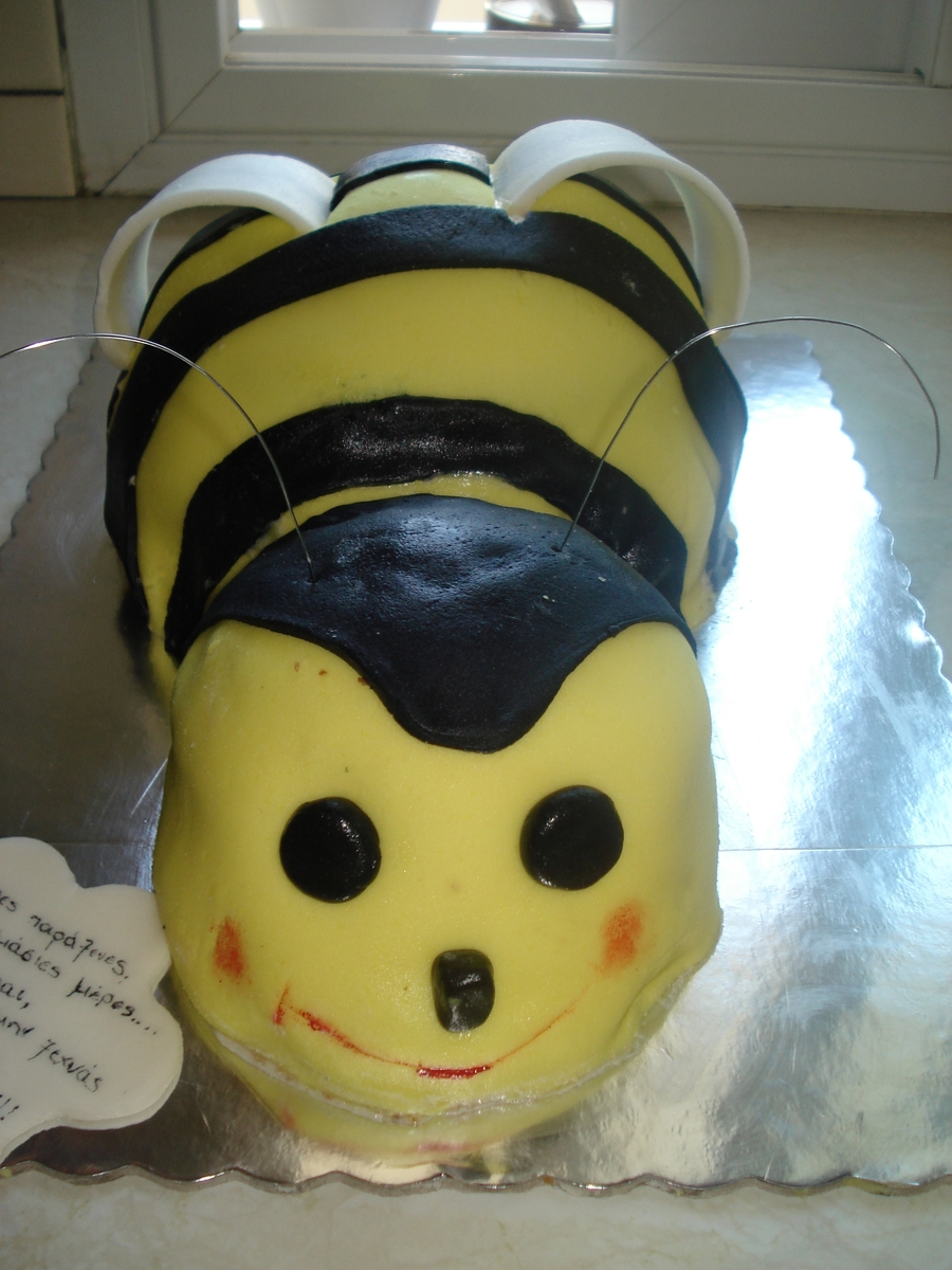 My First Bee ! on Cake Central