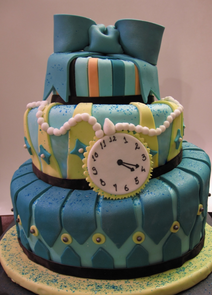 Topsy-Turvy Cake on Cake Central