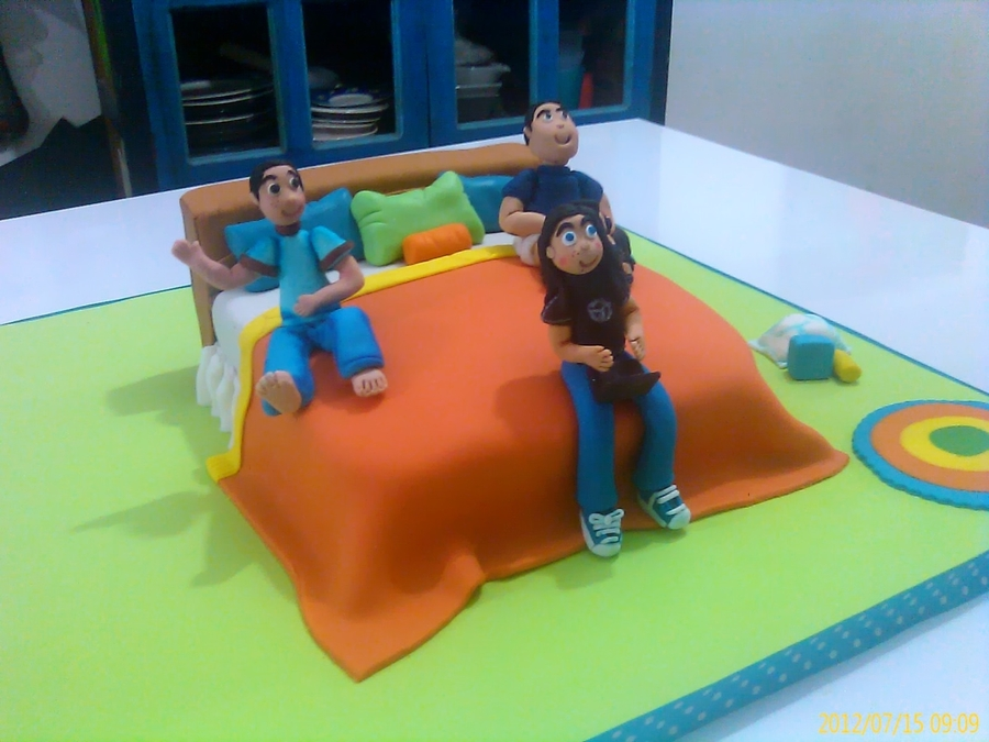 Children In Bed on Cake Central