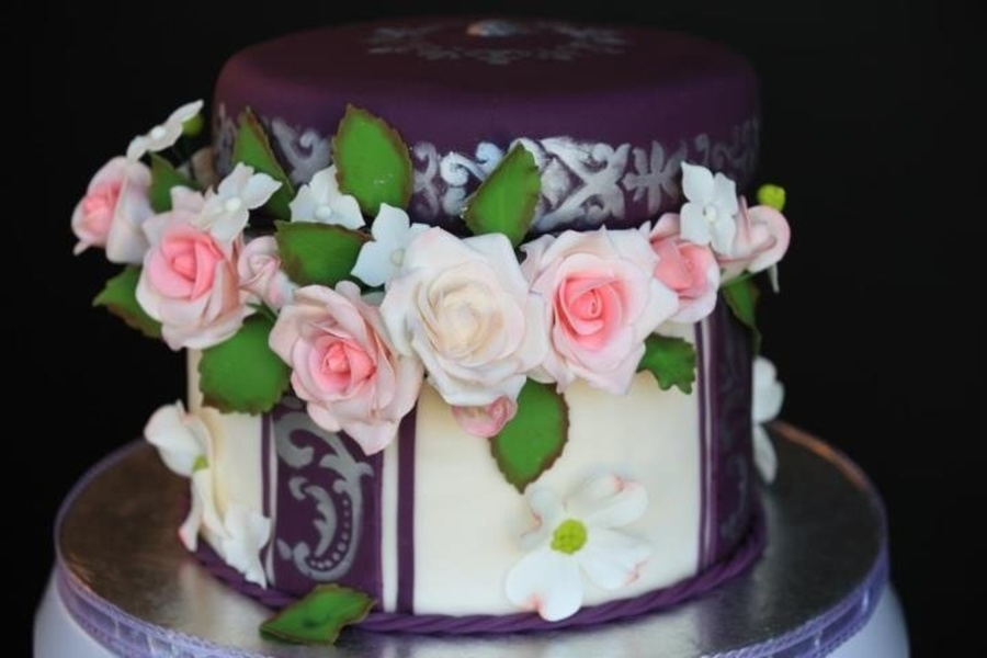 25Th Wedding Anniversary Cake Make With Edible Flowers on Cake Central