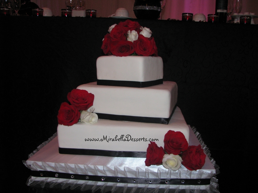 three tier square wedding cakes 3 tier square wedding cake decorated to match the 20935