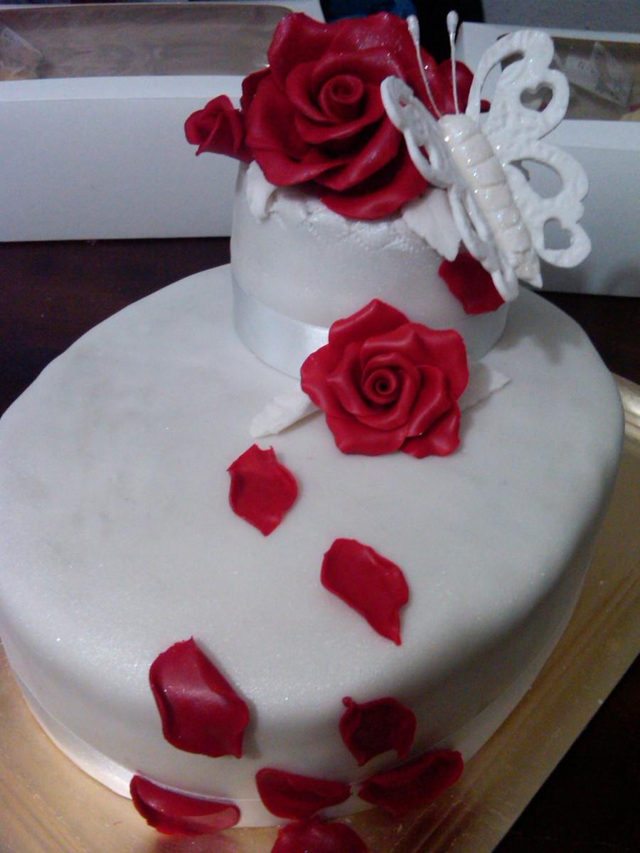 Torta Con Rosas Modeladas De Chocolate Cakecentral Com