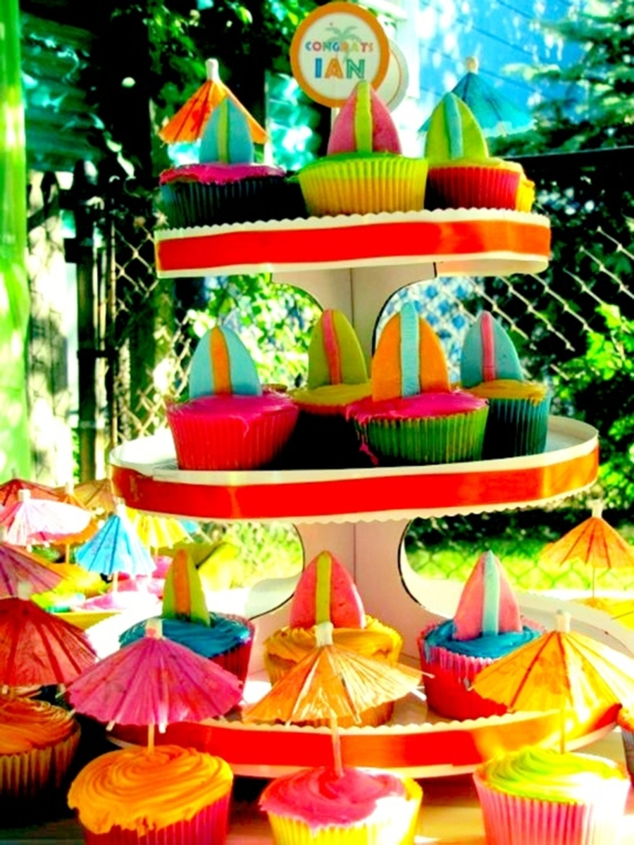 Luau/tiki Inspired Surfboard Cupcake Display on Cake Central