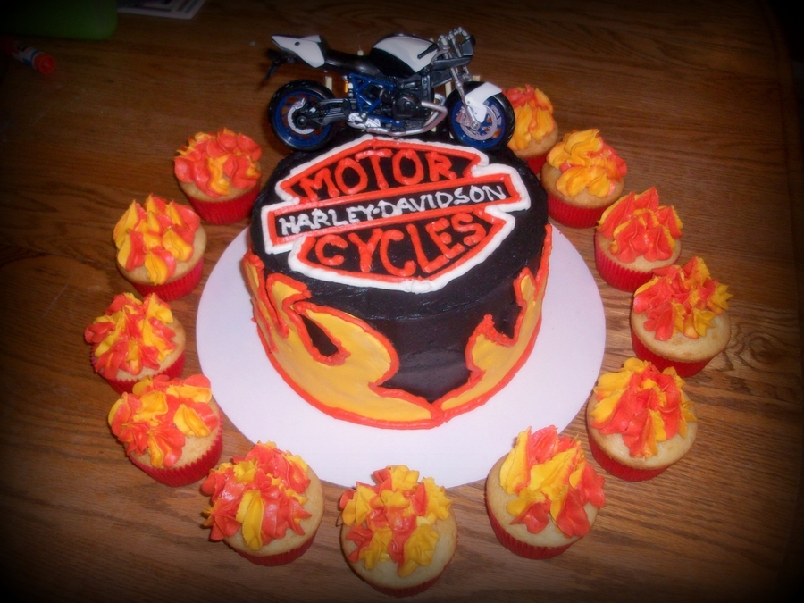 Harley Davidson Cake/cupcakes on Cake Central