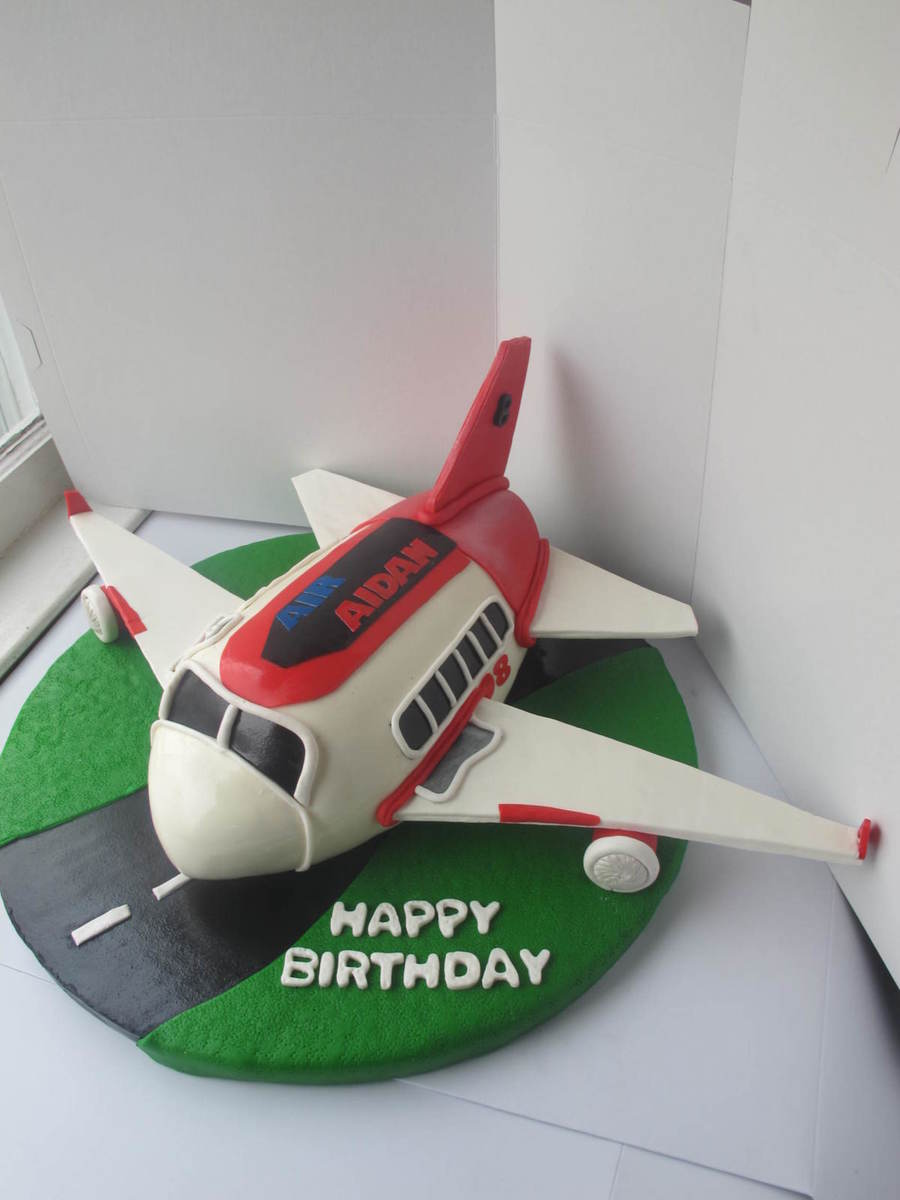 My First Airplane Cake Cakecentral Com